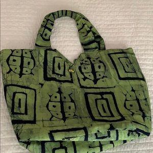 Handbags - Green Tote Bag with Batik Turtle Print 🐢